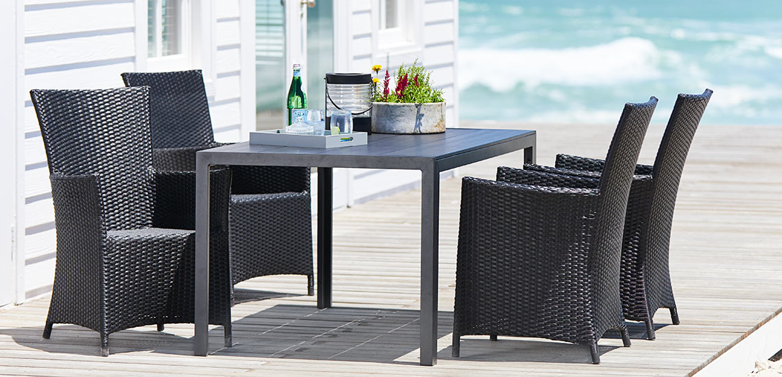 Garden furniture in aluminium